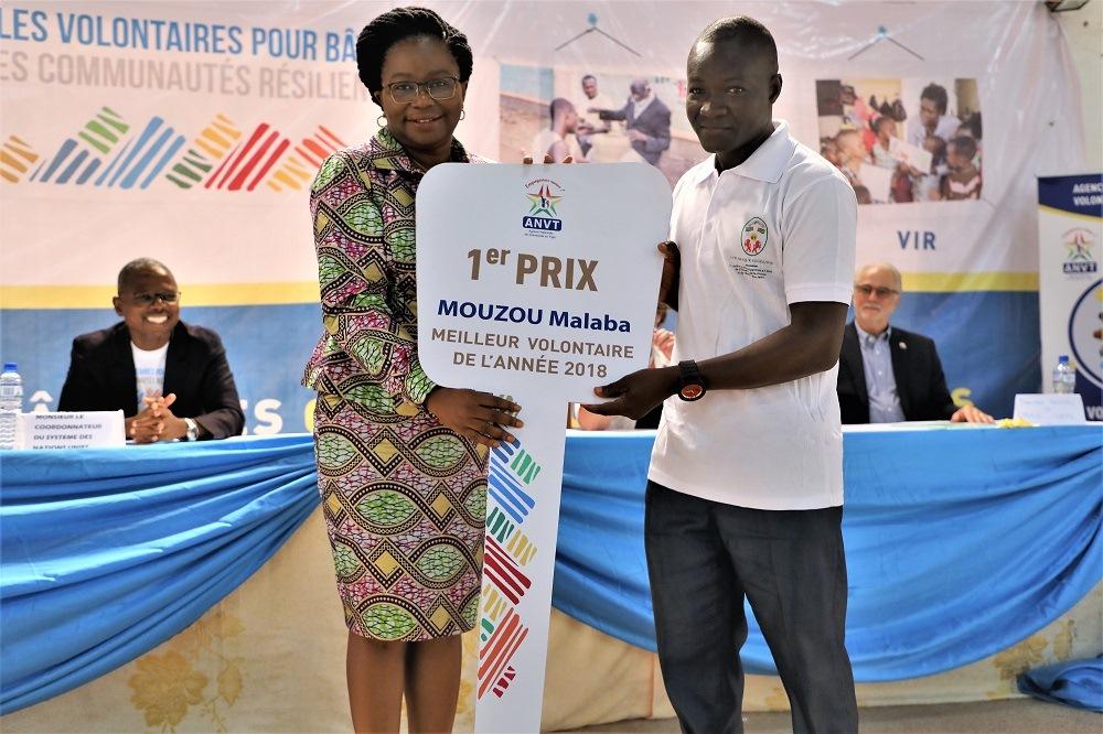 Journée internationale des volontaires l'ANVT et ses partenaires récompensent les meilleurs volontaires de l'année 2018