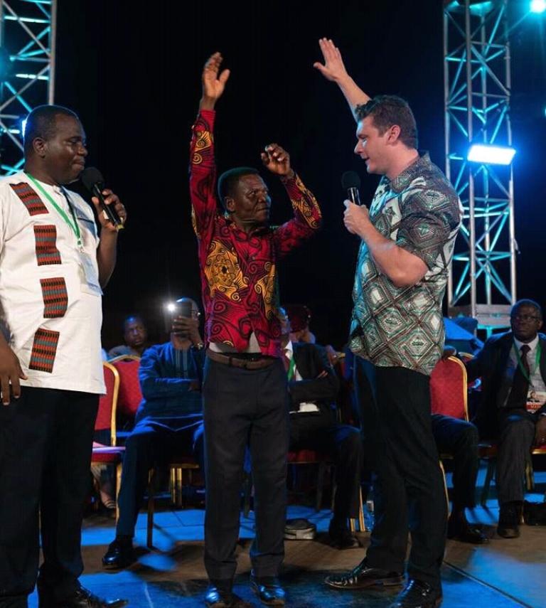 Togo des milliers de fidèles chrétiens ont répondu à la campagne de l'Evangéliste Daniel Kolenda (photos)