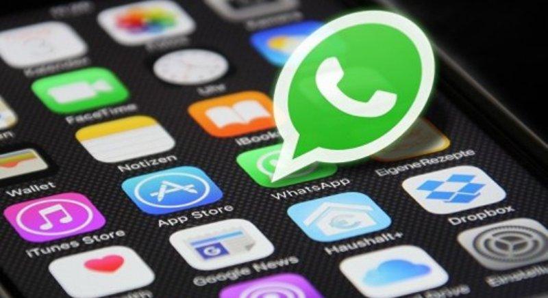 WhatsApp limite le transfert de messages à cinq destinataires