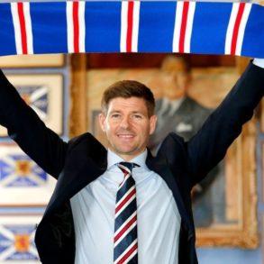 Football Steven Gerrard champion d'Écosse avec les Rangers Glasgow